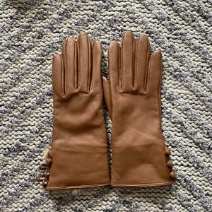 Lord & Taylor leather gloves, rabbit fur lining